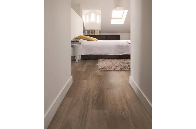 Ламинат Quick Step Loc Floor Plus  Дуб горный светло-коричневый 83 в интерьере в Ростове на Дону