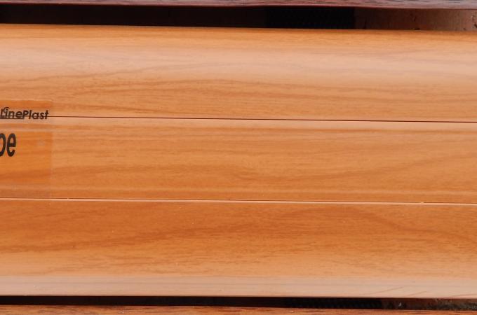Плинтус пластиковый широкий Тасманское дерево в Ростове на Дону